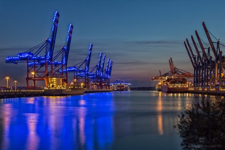 Waltershofer Hafen - Blue Port