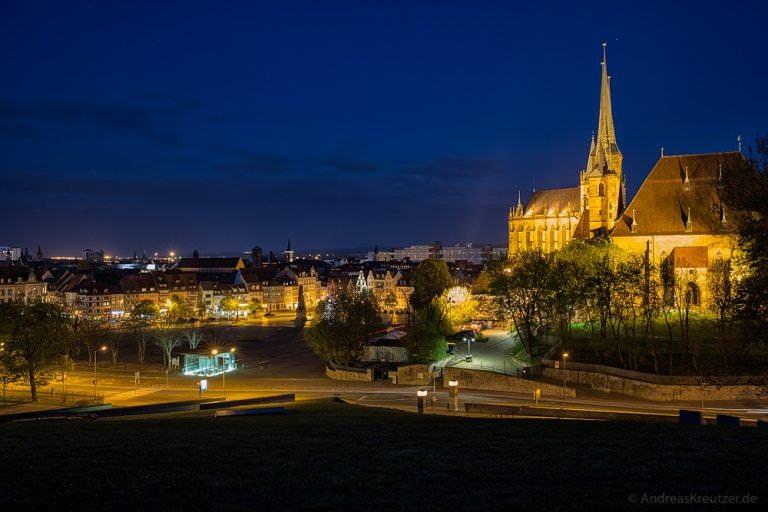 Blick auf Erfurt zur blauen Stunde