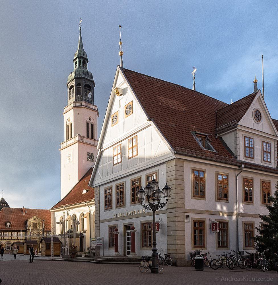Altes Rathaus und Stadtkirche St. Marien in Celle