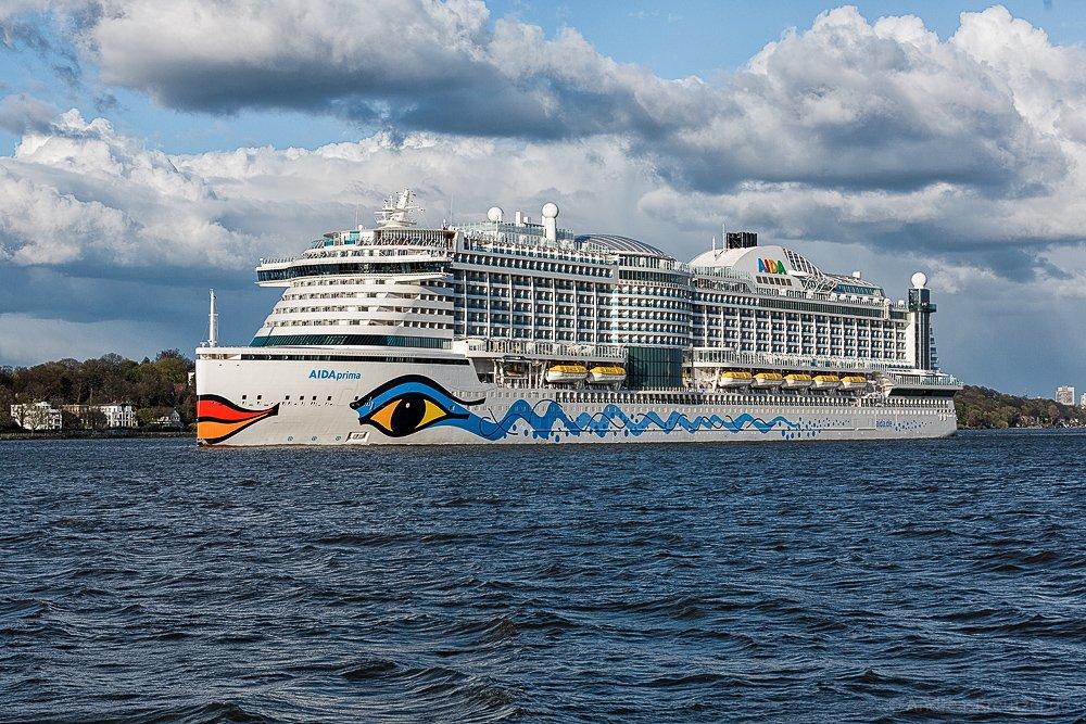 AIDAprima in Hamburg VIII