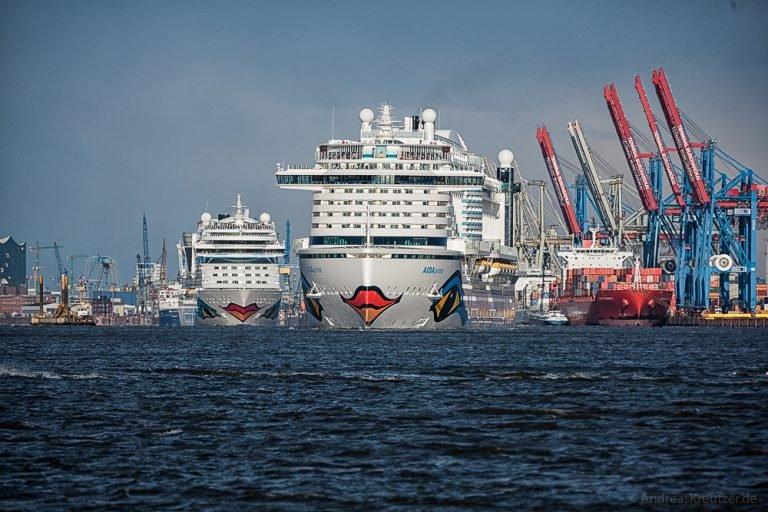 AIDAprima und AIDAmar in Hamburg X