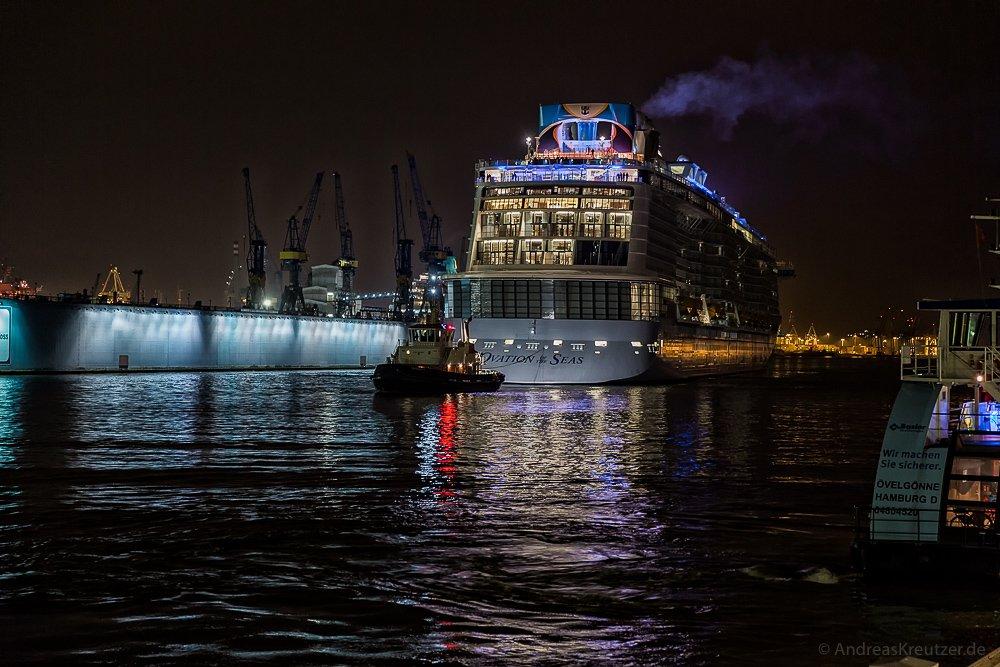 Eindocken der Ovation of the Seas