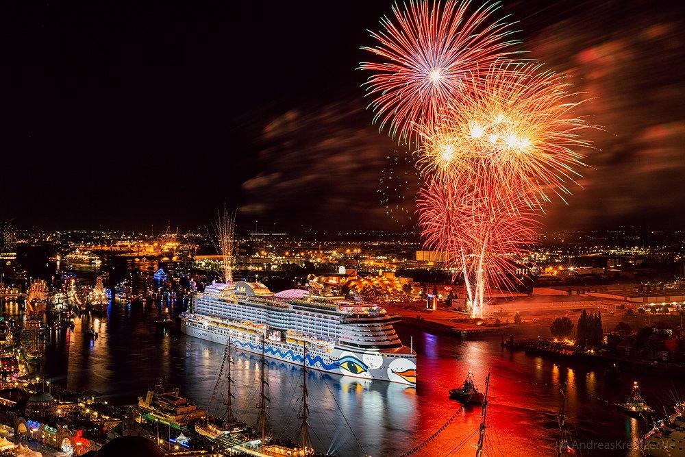 AIDA Feuerwerk am 827. Hafengeburtstag VII
