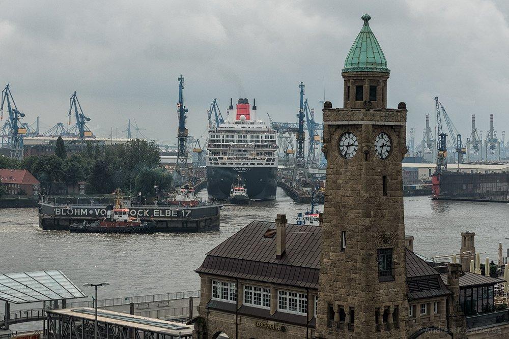 Ausdocken der Queen Mary 2