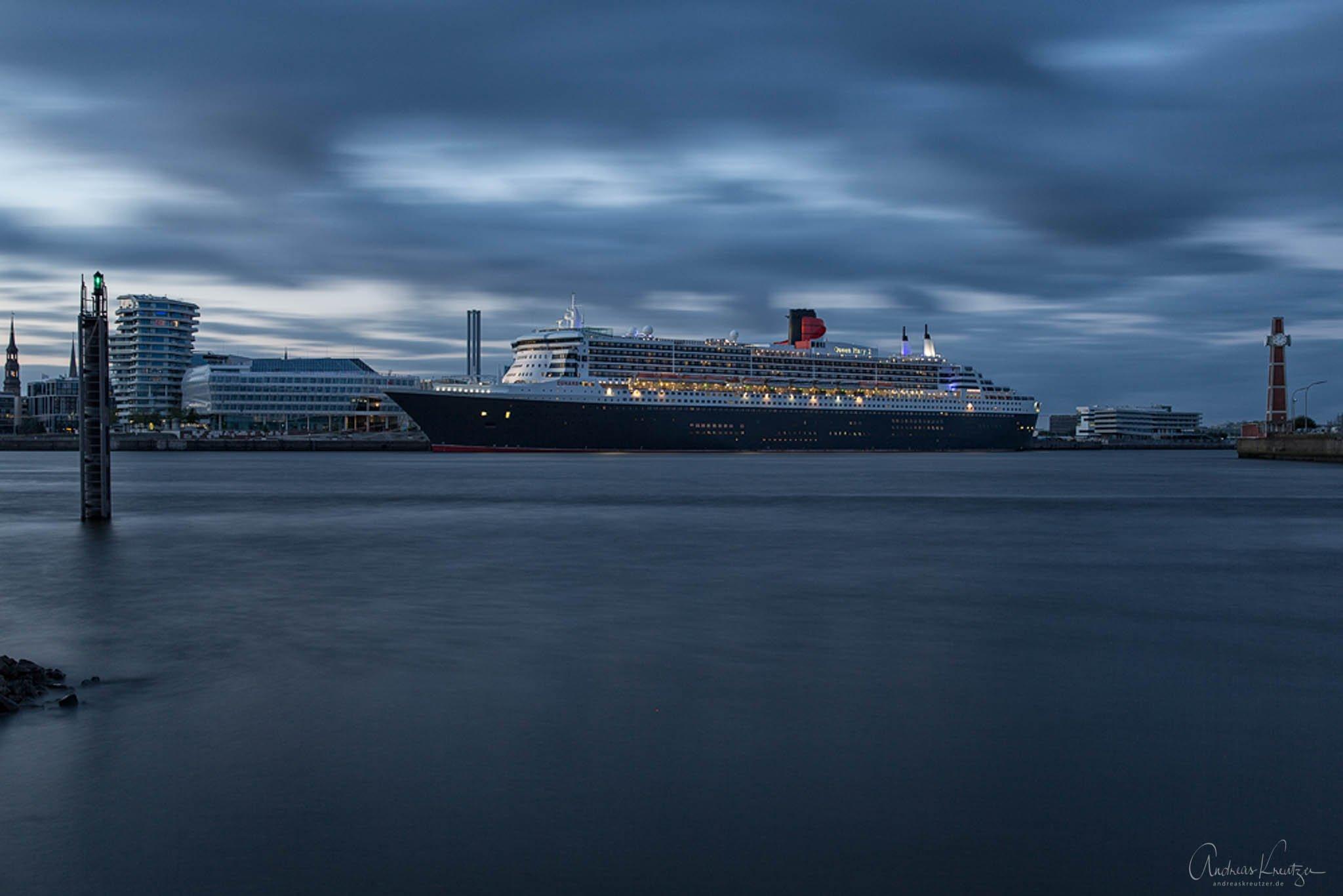 Queen Mary 2 - 0614 -III