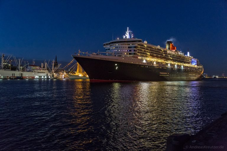 Queen Mary 2 - 0614 -IV