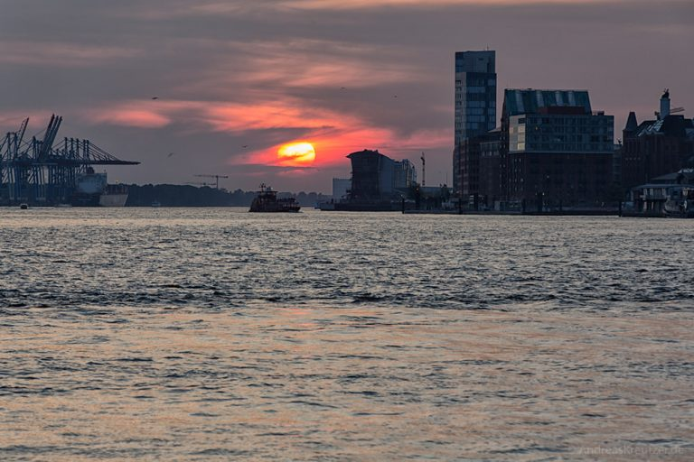 Sonnenuntergang am Hafen 0914-II