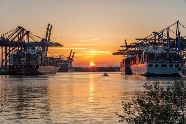 Sonnenuntergang am Walterhofer Hafen