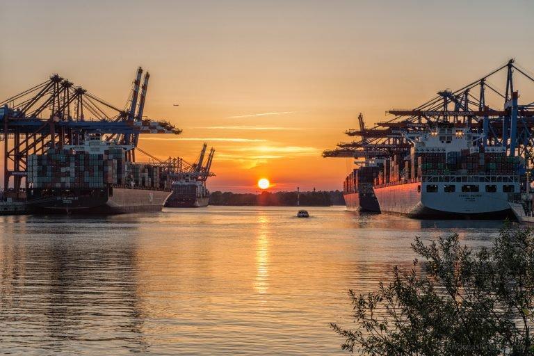 Sonnenuntergang am Waltershofer Hafen