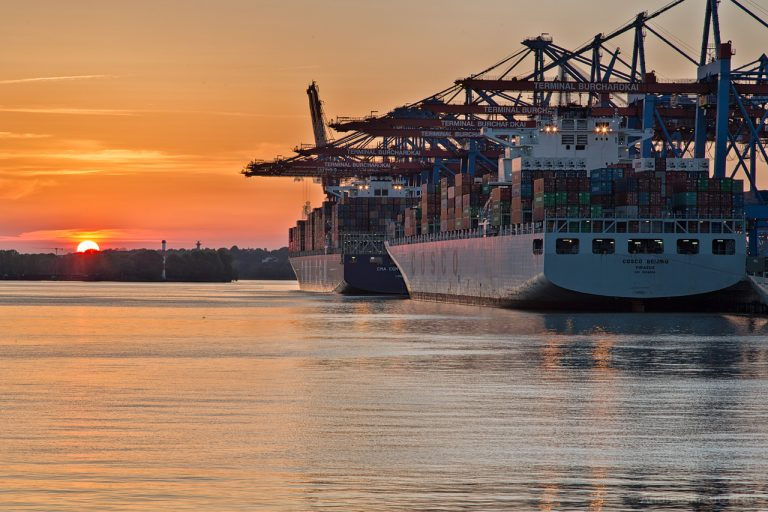 Sonnenuntergang am Waltershofer Hafen III