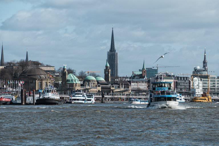Hafenfähre
