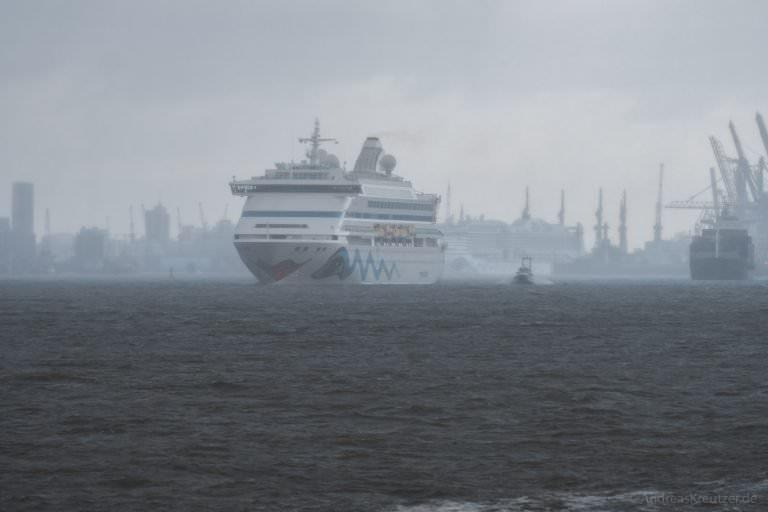 AIDAvita in Hamburg im Regen