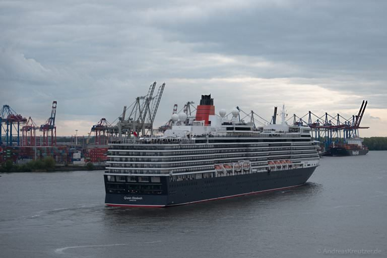 Queen Elizabeth in Hamburg