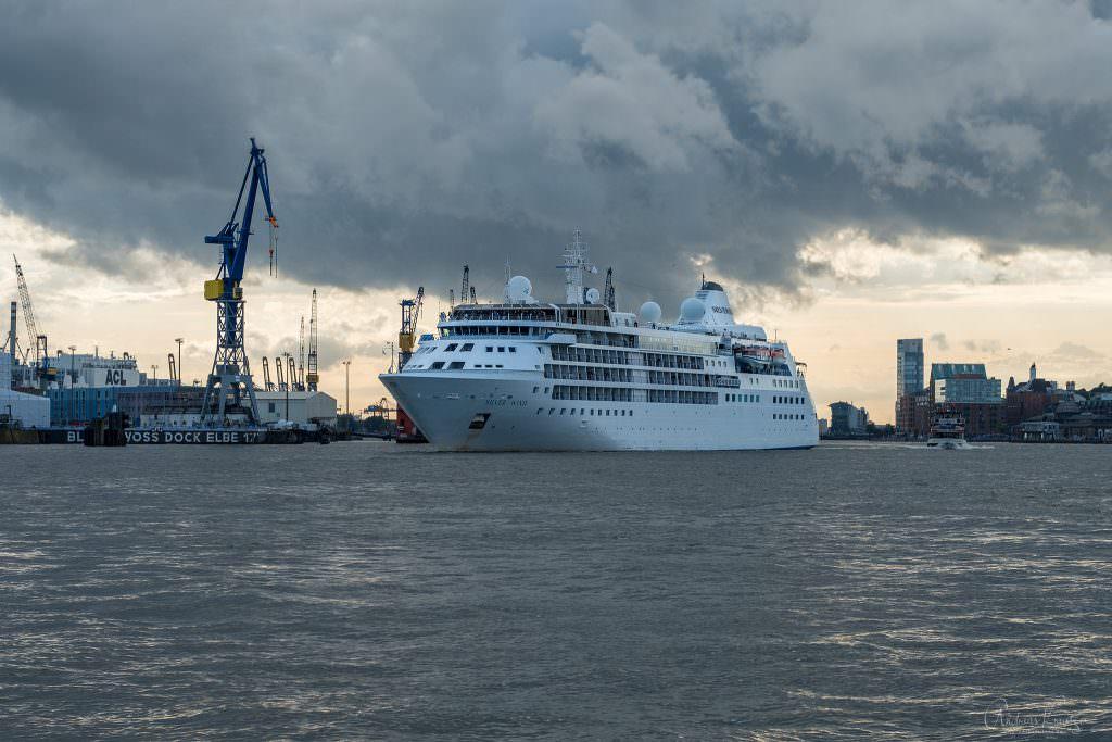 Erstanlauf der Silver Wind in Hamburg