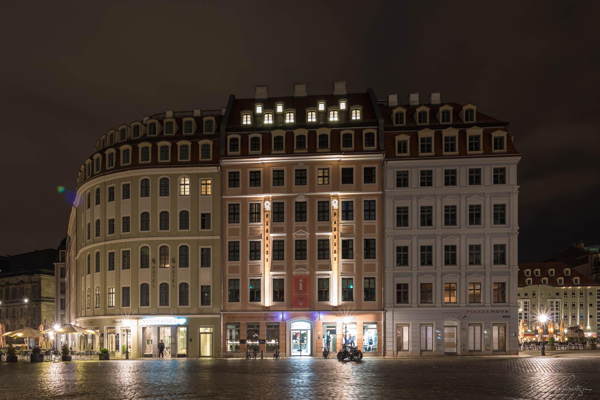 Neumarkt in Dresden bei Nacht