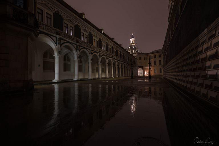 Stallhof in Dresden bei Nacht