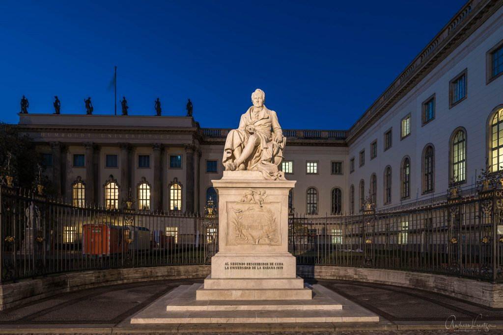Alexander von Humboldt Denkmal