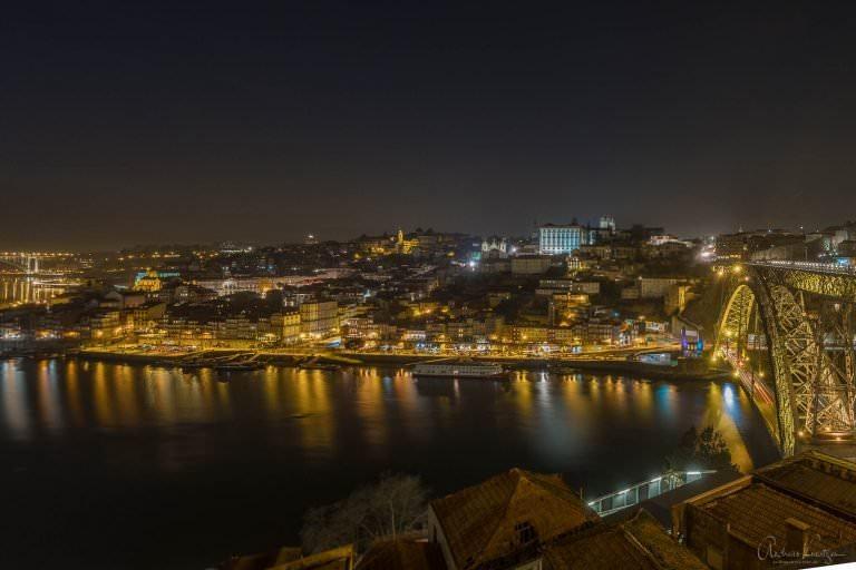 Blick vom Jardim do Morro auf die Altstadt von Porto