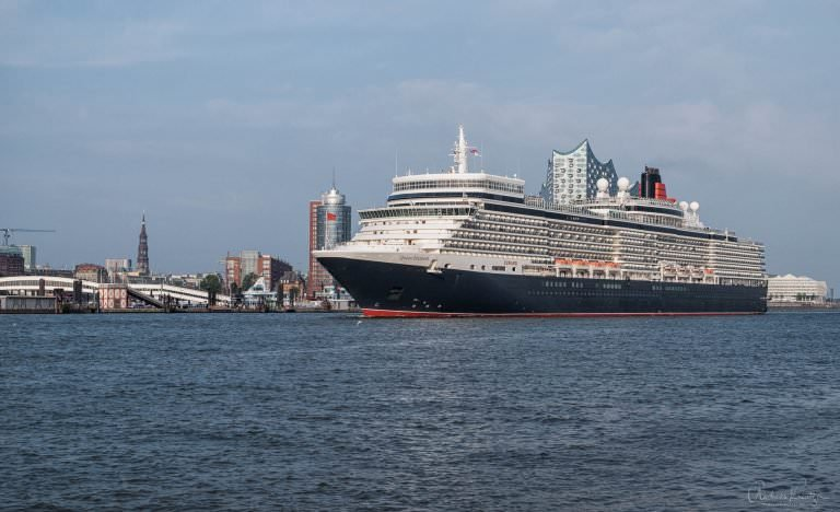 Queen Elisabeth in Hamburg