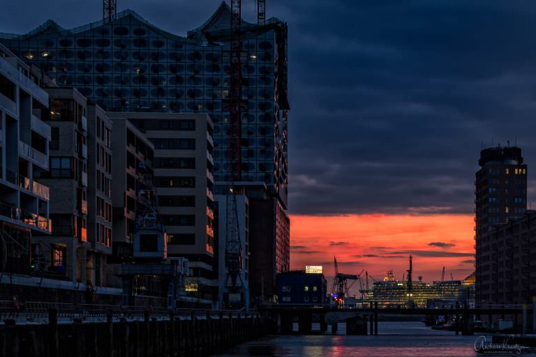 Sonnenuntergang am Sandtorhafen