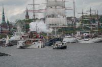 Einlaufparade zum 830. Hafengeburtstag