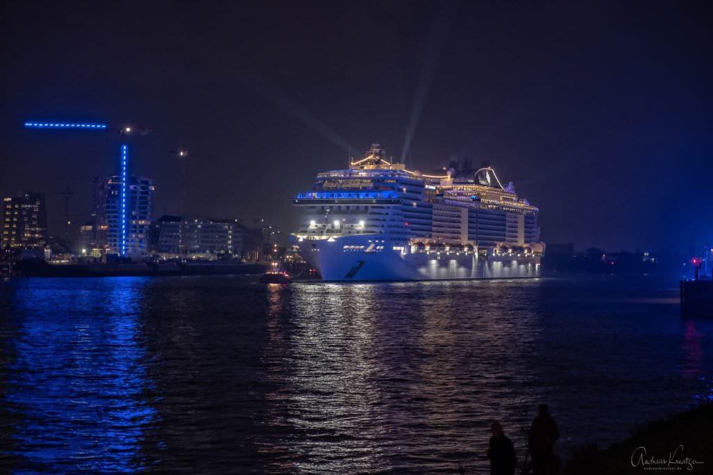 Taufe der MSC Grandiosa in Hamburg