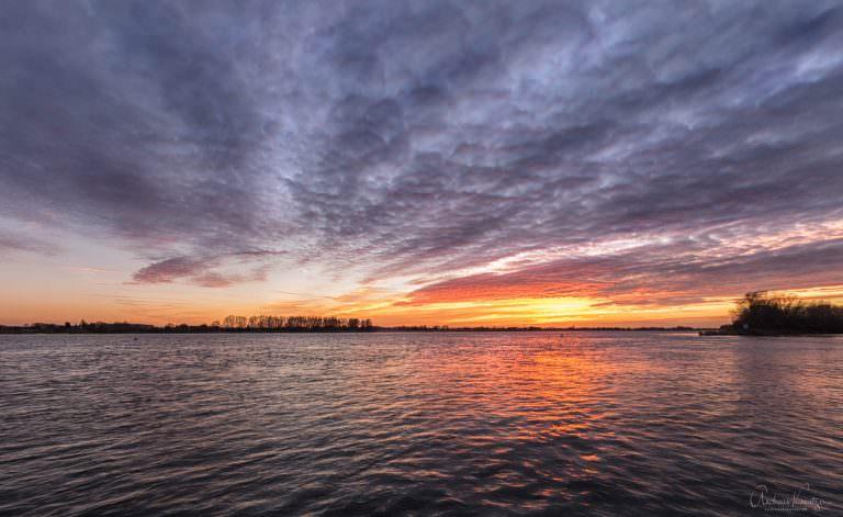 Sonnenuntergang an der Elbe 080215 II