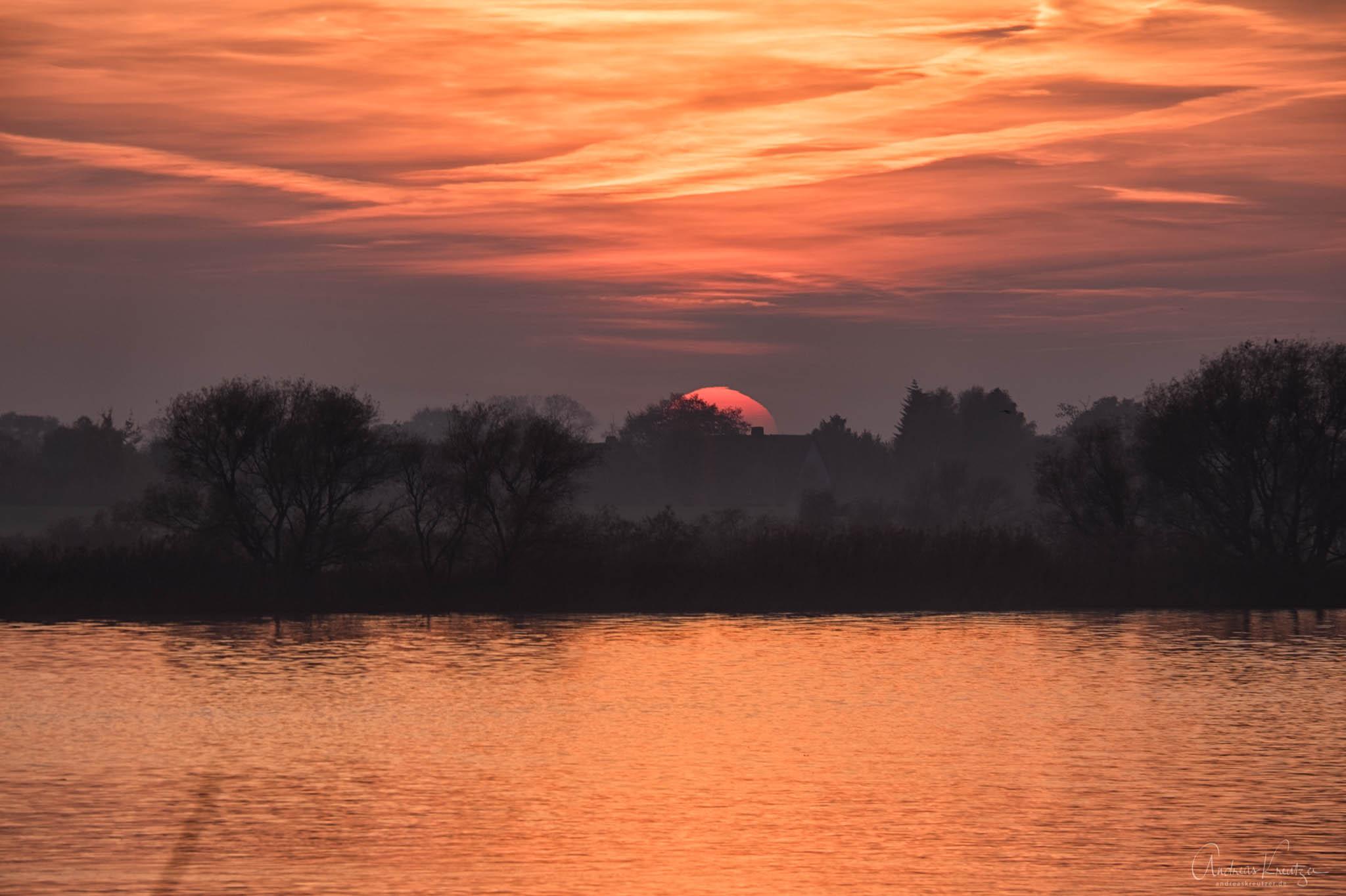 Sonnenuntergang an der Elbe III
