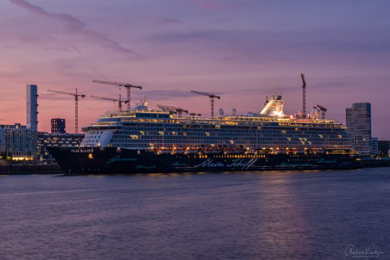 Mein Schiff 3 in der HafenCity